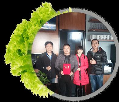惠美饺子加盟商签约照